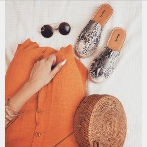 Shoes - 🚨END OF SUMMER SALE// snake print Espadrille